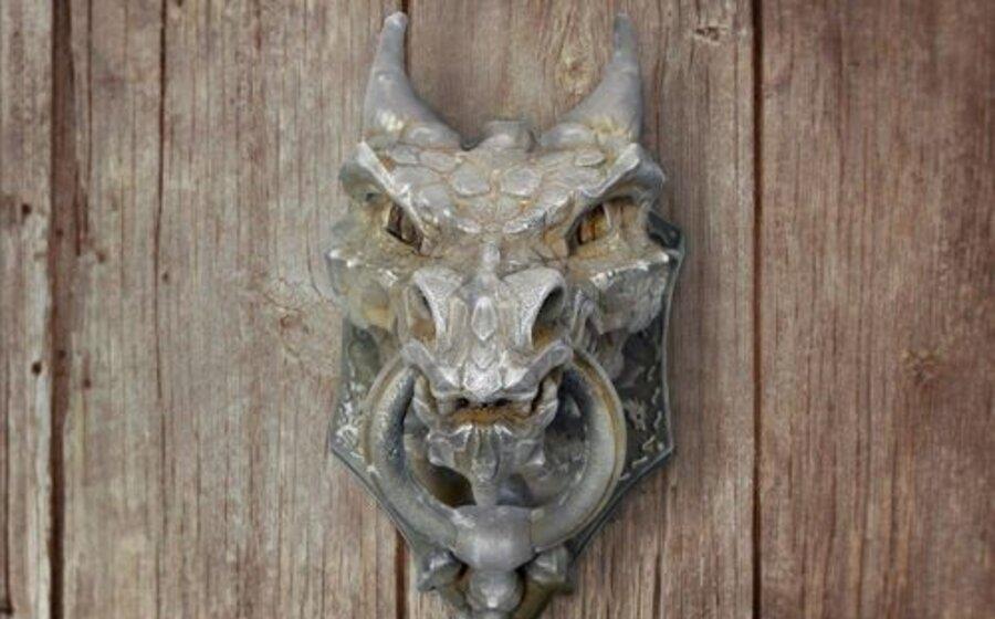imagen de ¿Quién llama a la puerta?  Crónica de aldabas y picaportes
